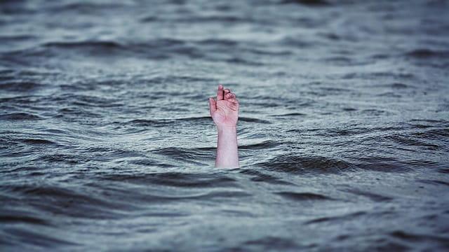基督徒,蒙恩,溺水,求救,手
